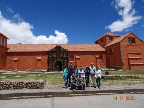 Incas Paradise: Con la Familia Albujar en el Tour Chucuito-Aramumuru-Juli y Tiahuanaco- La paz