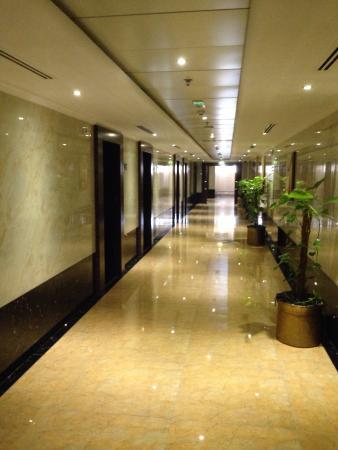 Bedroom part - Picture of Gateway Hotel, Dubai - TripAdvisor