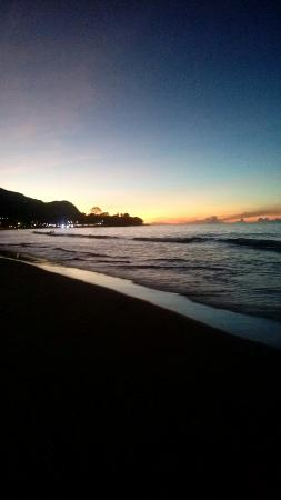 Berjaya Beau Vallon Bay Resort & Casino - Seychelles: The beautiful Christmas Eve dinner at Beau vallon and the view..