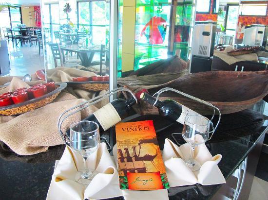 Amazon Jungle Palace: Restaurante