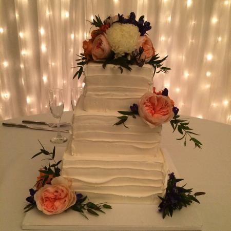 Wedding, birthday and other occasion cakes.