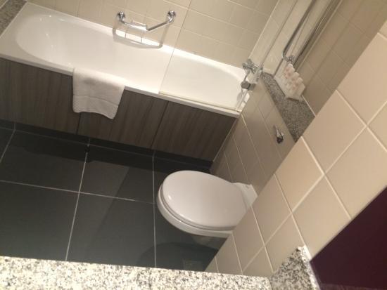 Radisson Blu Hotel Manchester Airport Bathroom