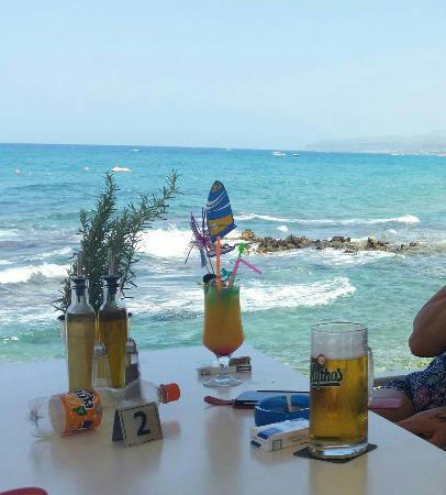 Stalis Beach : Afryka  bar  w dzien