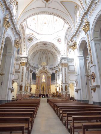 Parroquia de Nuestra Señora del Consuelo: Nave central