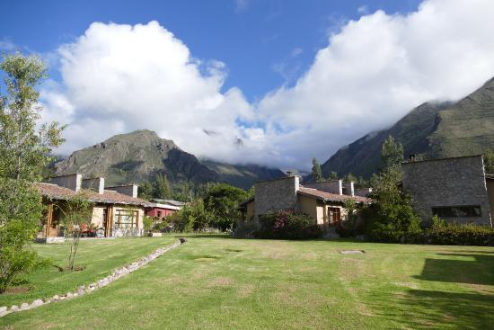 Sol y Luna: Note the Inca storage depot left center.