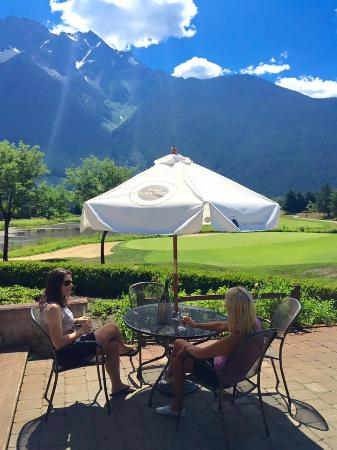 Pemberton, Canadá: best patio in sea to sky
