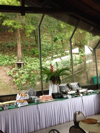 BEST WESTERN Shalimar Praia Hotel: Buffet do café da manhã