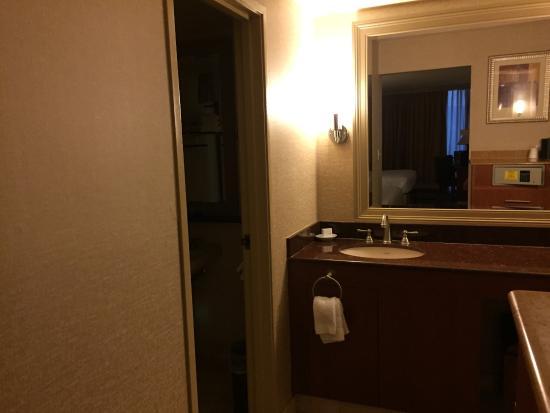 Rio All-Suite Hotel & Casino: Bath/vanity