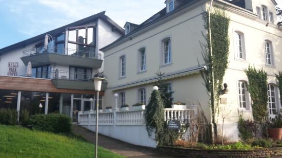 Nells Park Hotel: Außenansicht, Rückseite