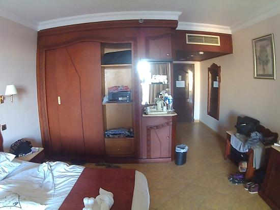 SENTIDO Palm Royale Soma Bay: Room