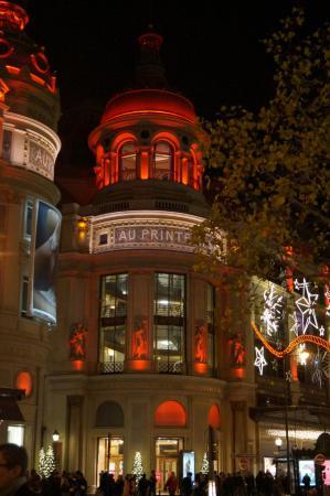 Paris, France: Рождество в Париже