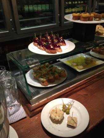 Irati Taverna Basca: photo2.jpg