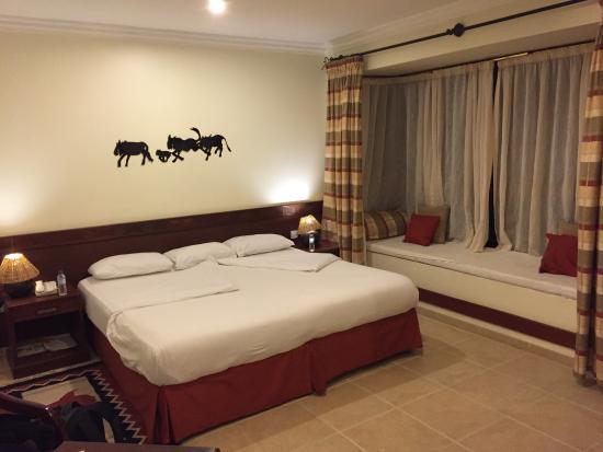The African Tulip: Bedroom