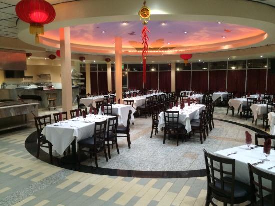 Artesia, CA: Dinning Area