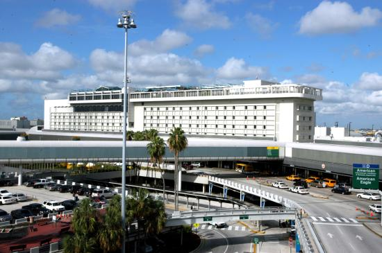 ‪‪Miami International Airport Hotel‬: MIA Hotel Exterior View‬