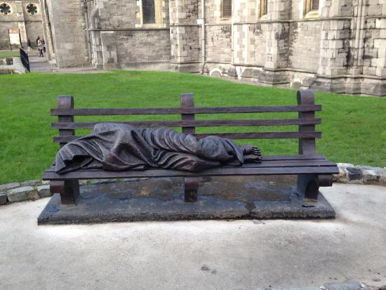 Christ Church Cathedral: statua in Christ Church