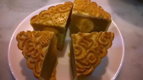 China!: Double-yolks mooncake