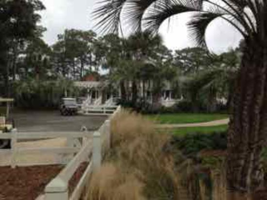 Daufuskie Island, SC: Front Entrance of Melrose Resort Restaurant