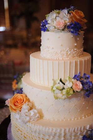 wedding cake places in indy heavenly wedding cakes noblesville restaurant 23482