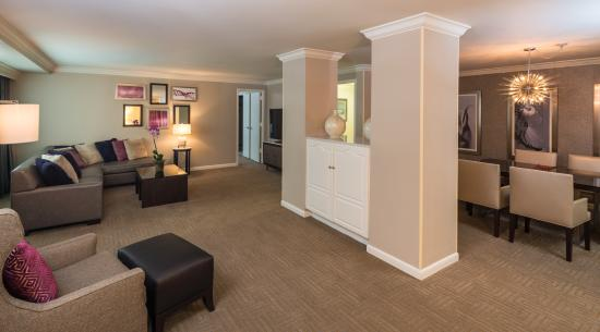 Hilton Tampa Downtown: Presidential Suite Living Room