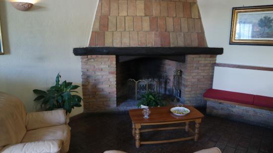 Hotel La Rocca: Zona relax interna