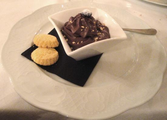 Grande Albergo Ausonia & Hungaria: - Mousse di cioccolato e granella di mandorle