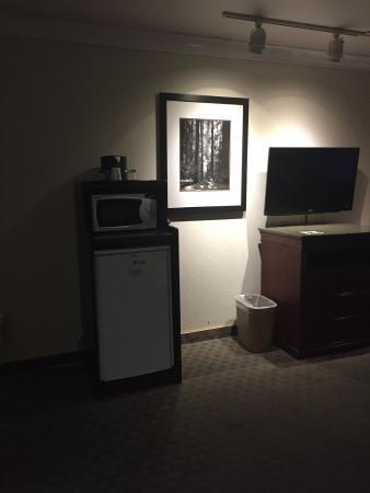 Gilroy, Californië: TV Microwave and Fridge