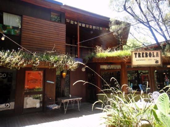 Paseo Mendoza: La iluminacion, techos verdes, detalles de color y de buen gusto , todo contribuye a embellecerl