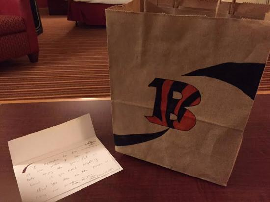 Sharonville, OH: Hand Written Note and Bag with Snacks