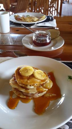 Addo, África do Sul: Breakfast - don't miss the Flapjack Stack!