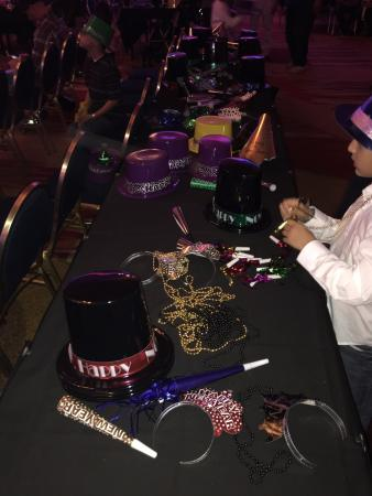 Coco Key Water Resort: Complimentary hats and noise makers for family party in ball room!