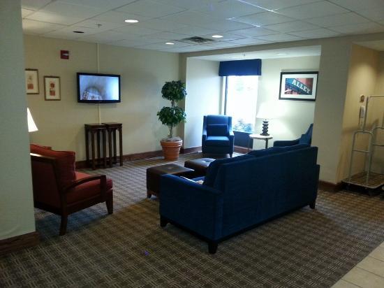 Comfort Inn Clarksville: Lobby Area