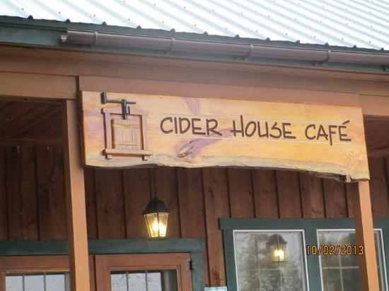 Haverhill, NH: Entrance to Cider House Cafe