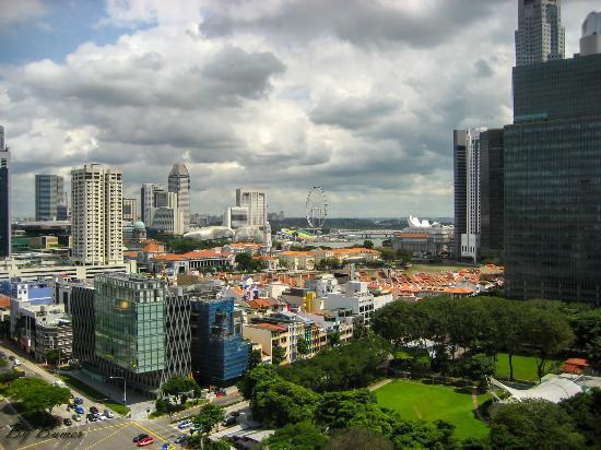 "Tiong Bahru, Сингапур: The view from the window 18 floors ""Furama RiverFront"" in Singapore. Вид с окна 18 этажа  ""Furam"
