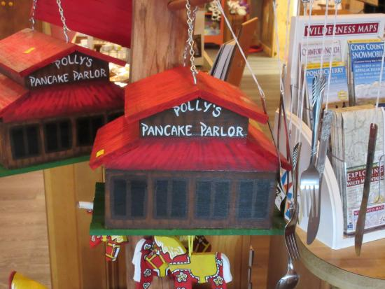 Sugar Hill, NH: Gift Shop Bird House