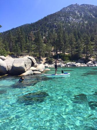 Sand Harbor: Crystal clear waters