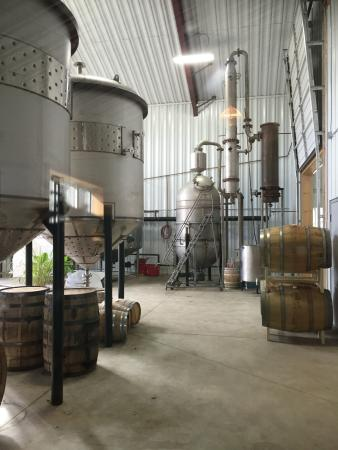 Sheffield, MA : Distillery Tour