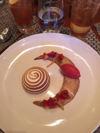 Aureole: Lemon Meringue dessert
