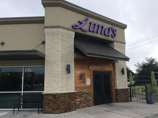 Luna's Mexican Restaurant: The League City Location