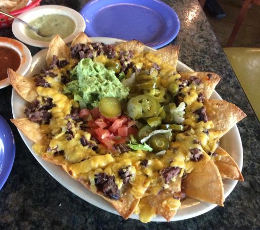 Luna's Mexican Restaurant: Nachos!