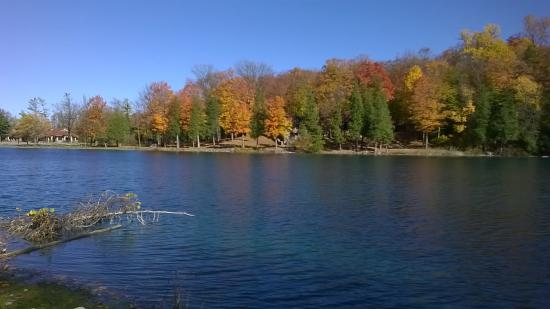 Green Lakes State Park: Green Lakes in the Fall