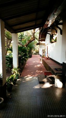 Gowri Residence: C360_2016-01-01-09-11-36-124_large.jpg