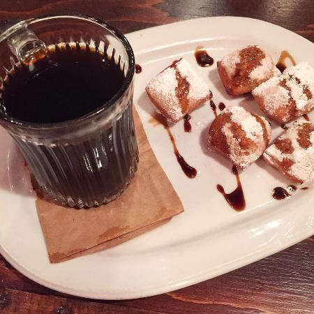 Vista, CA: Beignets with Coffee