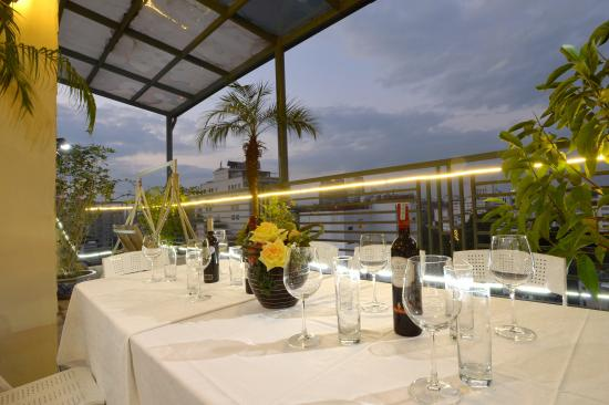 Rosaliza Hotel: Terrace Bar 2