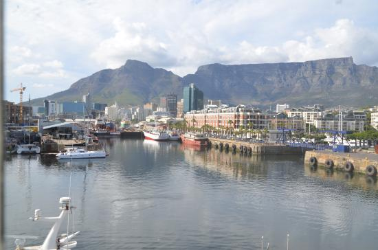 Victoria & Alfred Hotel: View to the Waterfront and Table Mountain
