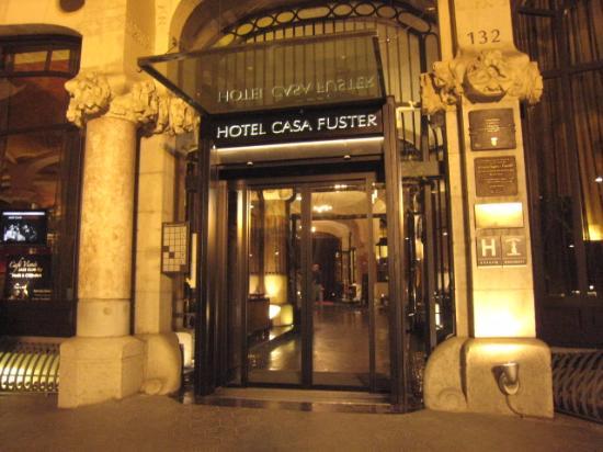 Casa Fuster Hotel: ホテル入口