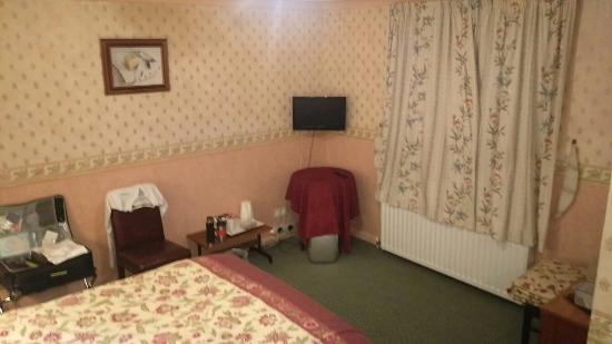 Limes Country House Hotel: A little updating required...