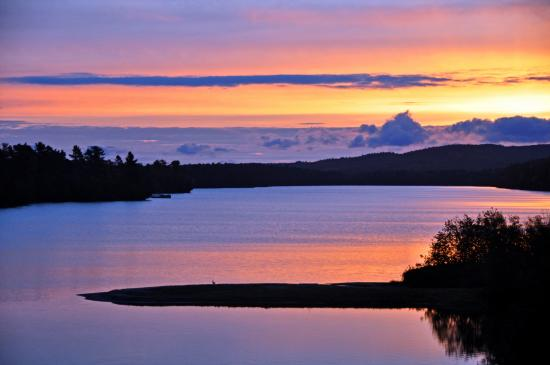 Lake Fanny Hooe Resort & Campground: Sunrise over Fanny Hooe