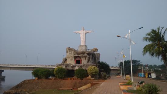 Yanam, Indien: Rio (brazil) like Jesus Christ statue