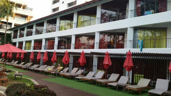 Patong Beach Hotel : 20160103_180047_large.jpg